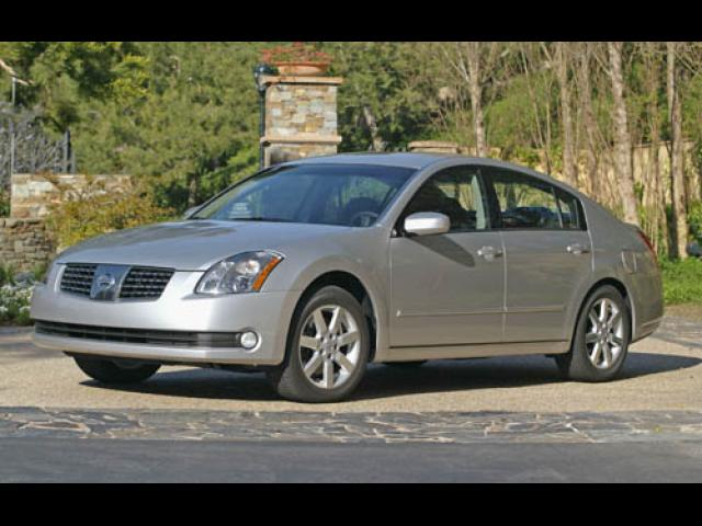 Junk 2005 Nissan Maxima in Mansfield