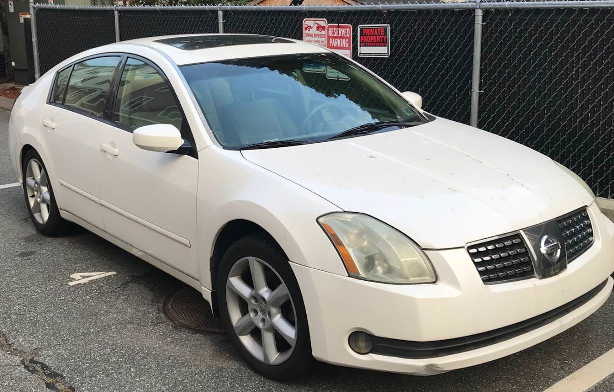 Junk 2005 Nissan Maxima in Roslindale