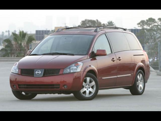 Junk 2005 Nissan Quest in Los Angeles