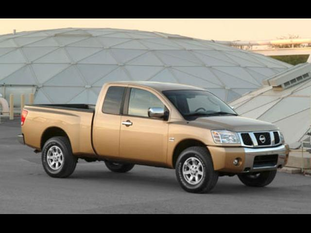 Junk 2005 Nissan Titan in Houston