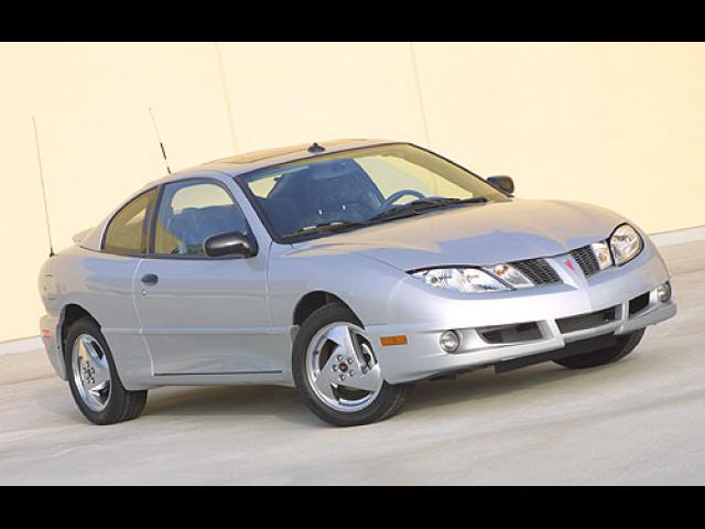 Junk 2005 Pontiac Sunfire in Bear
