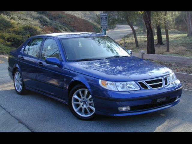 Junk 2005 Saab 9-5 in North Hollywood