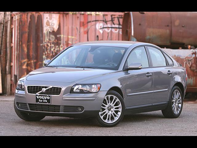Junk 2005 Volvo S40 in East Sandwich