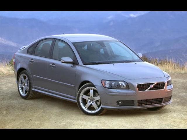 Junk 2005 Volvo S40 in Long Beach