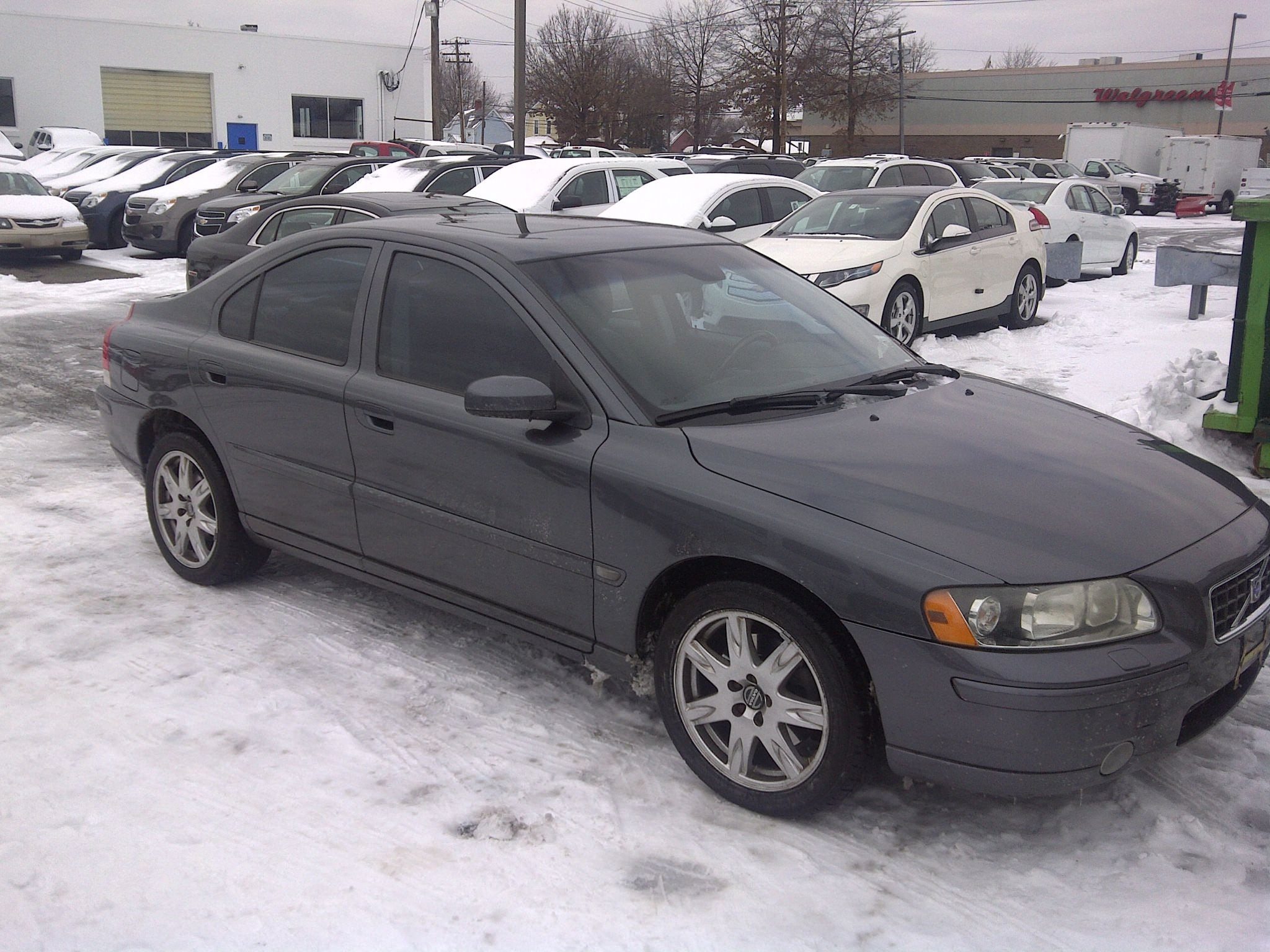 Junk 2005 Volvo S60 in Huntington Station