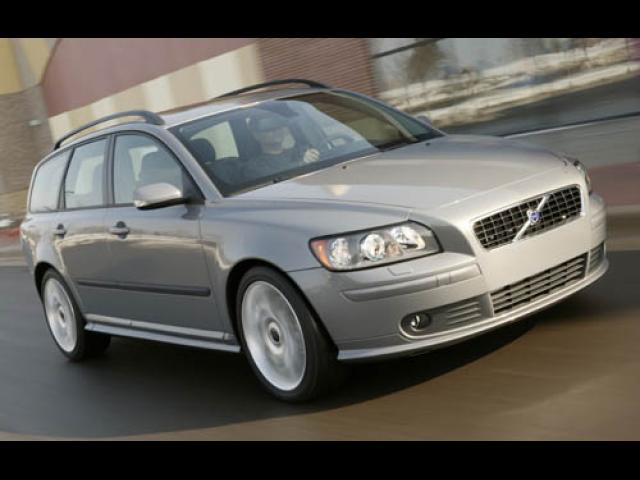 Junk 2005 Volvo V50 in Gray