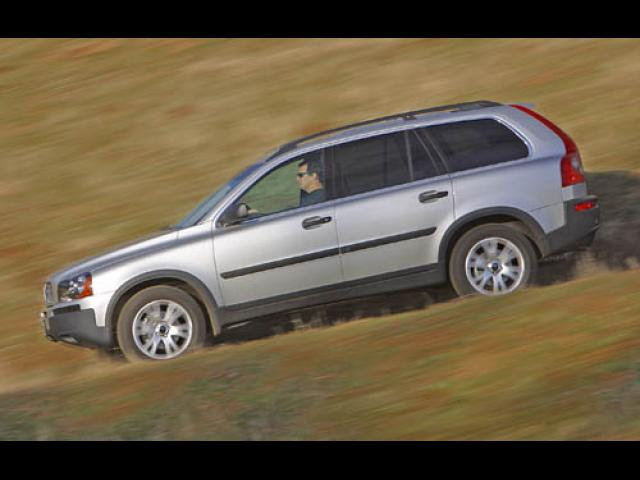 Junk 2005 Volvo XC90 in Philippi