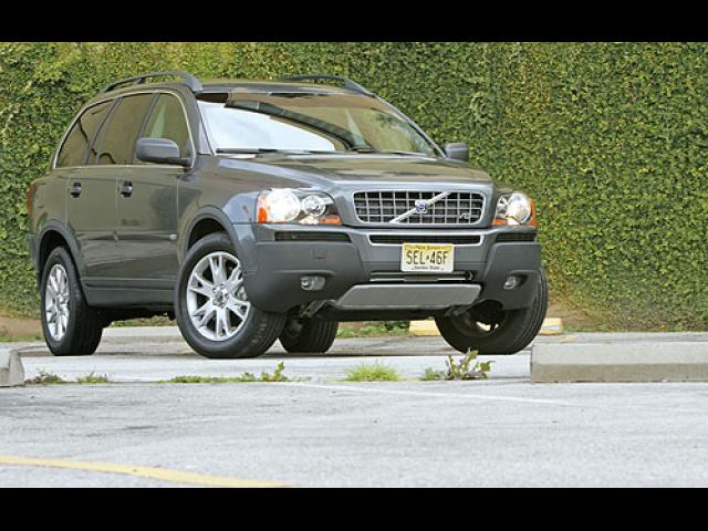 Junk 2005 Volvo XC90 in Seattle