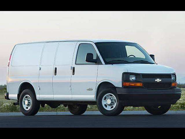 Junk 2006 Chevrolet Express G1500 in Center City