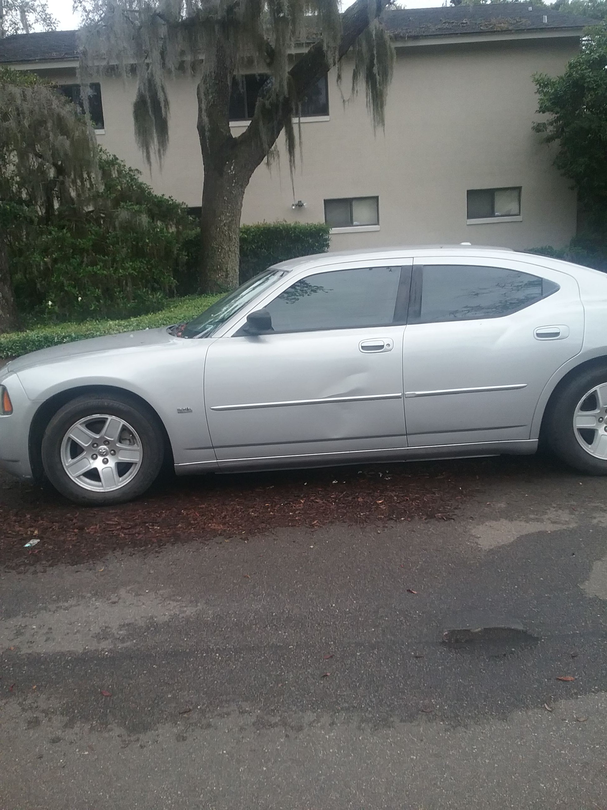 Junk 2006 Dodge Charger in Winter Park