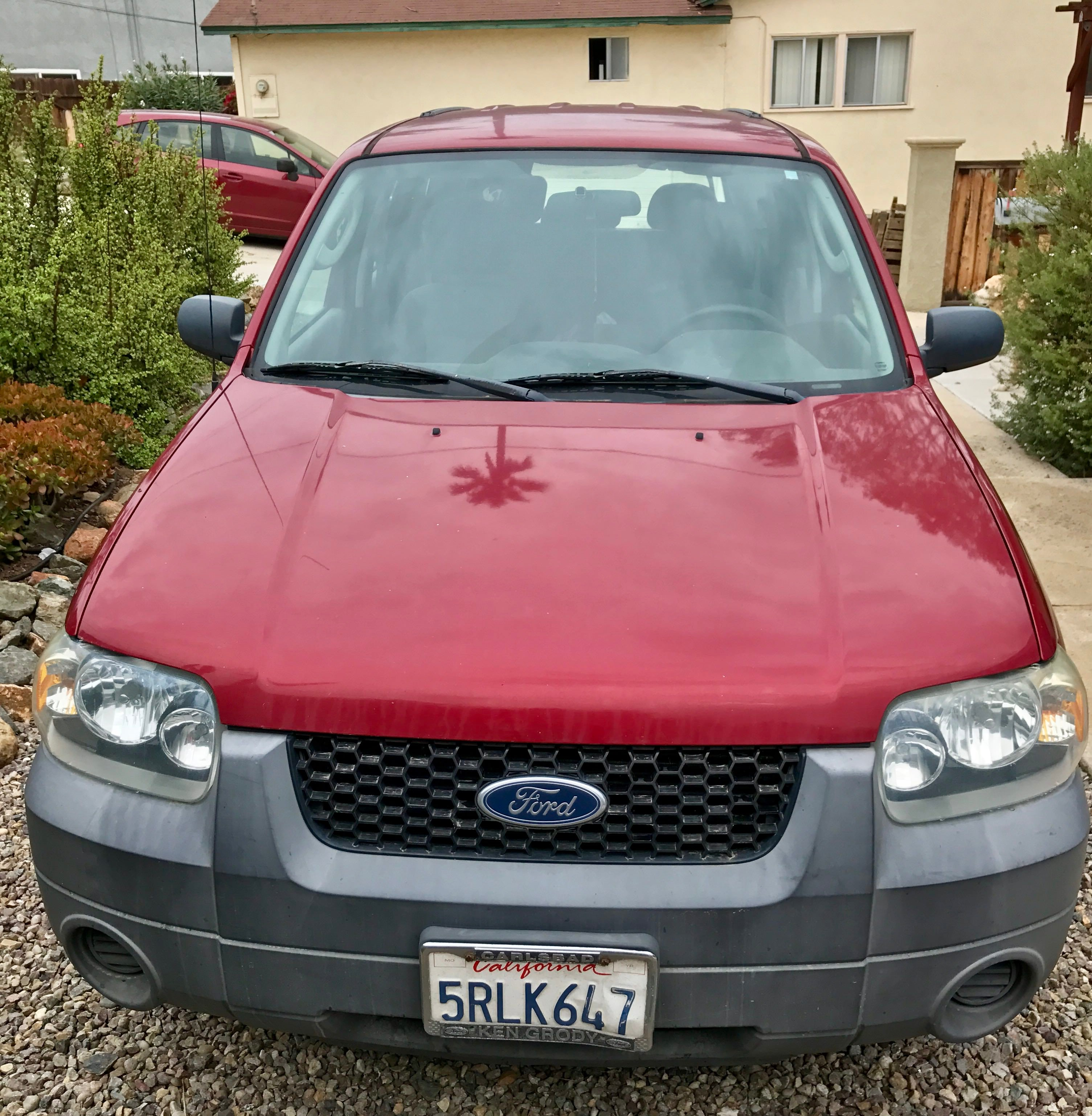 Junk 2006 Ford Escape in Carlsbad