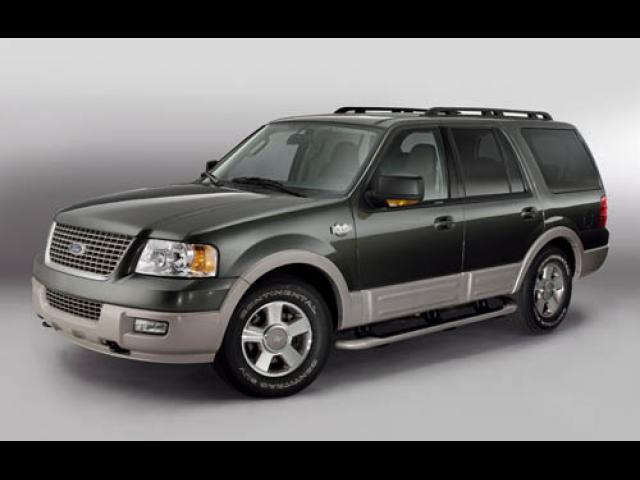 Junk 2006 Ford Expedition in Lake Worth