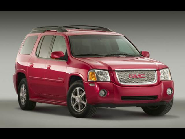 Junk 2006 GMC Envoy in Milwaukee