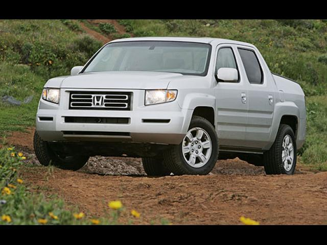 Junk 2006 Honda Ridgeline in Los Angeles