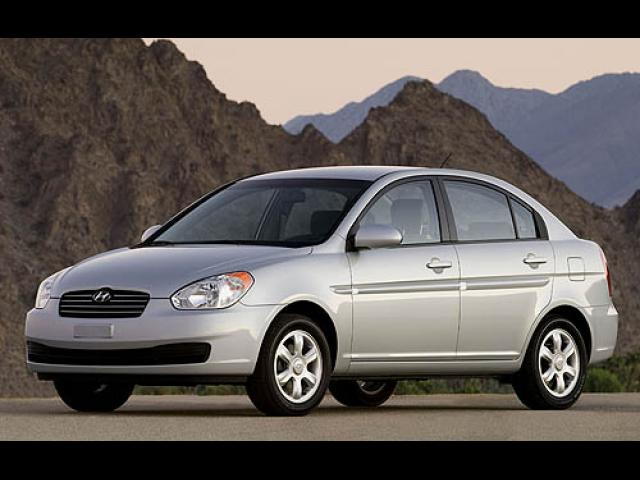 Junk 2006 Hyundai Accent in Los Angeles