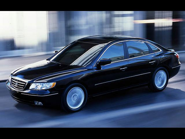 Junk 2006 Hyundai Azera in Lexington