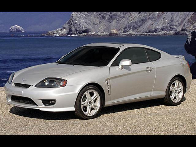 Junk 2006 Hyundai Tiburon in Houston