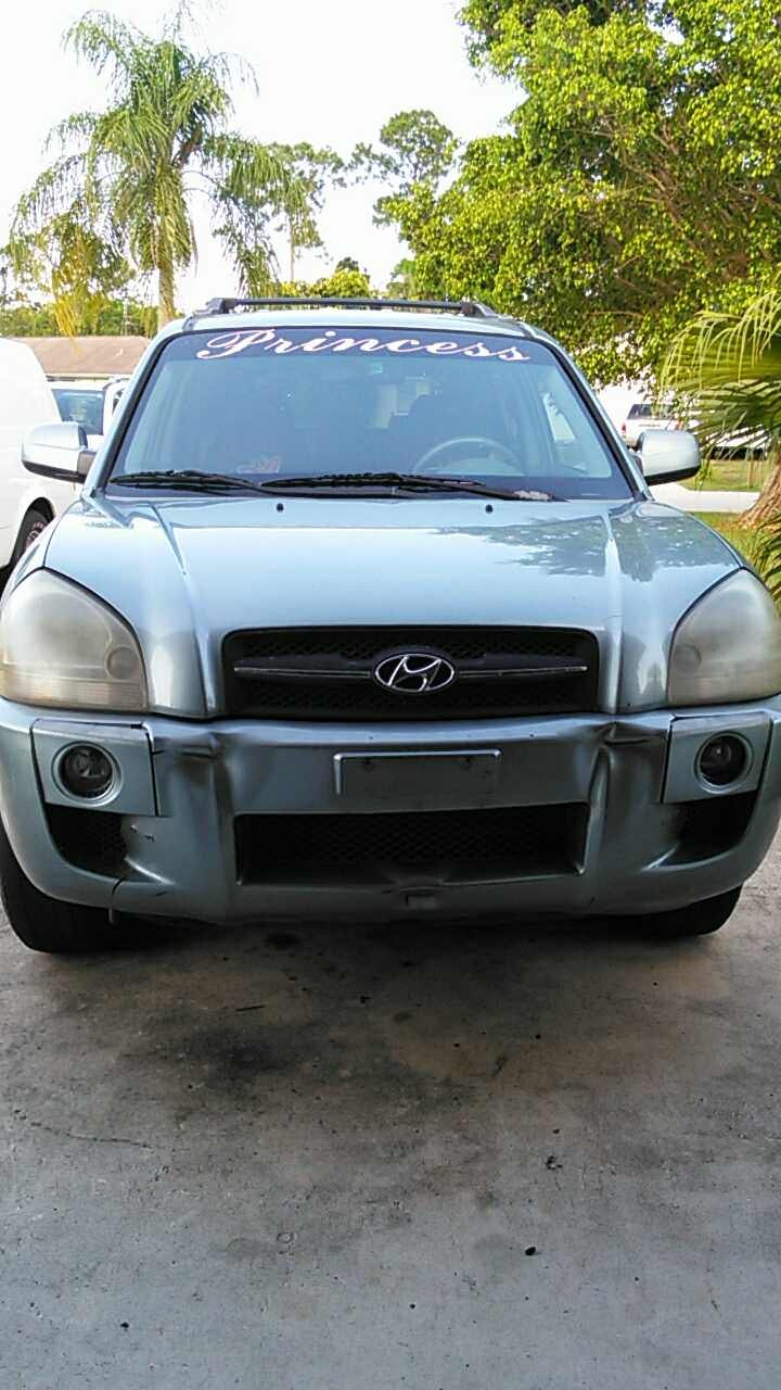 Junk 2006 Hyundai Tucson in Port Saint Lucie