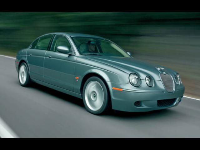 Junk 2006 Jaguar S-Type in Nashville