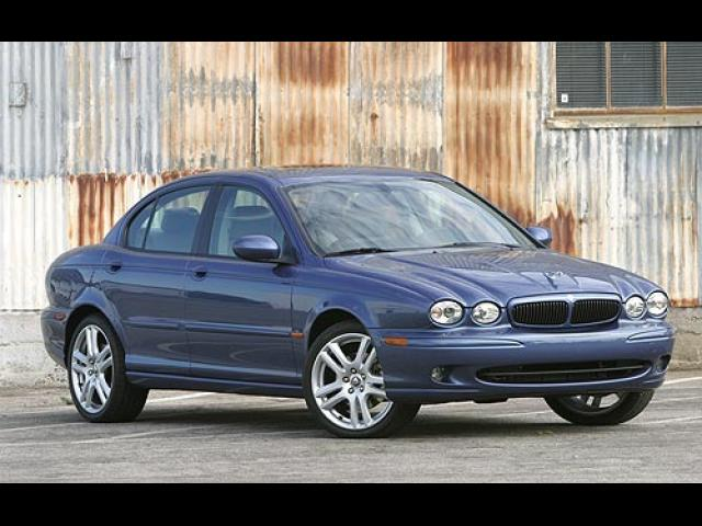 Junk 2006 Jaguar X-Type in Krum