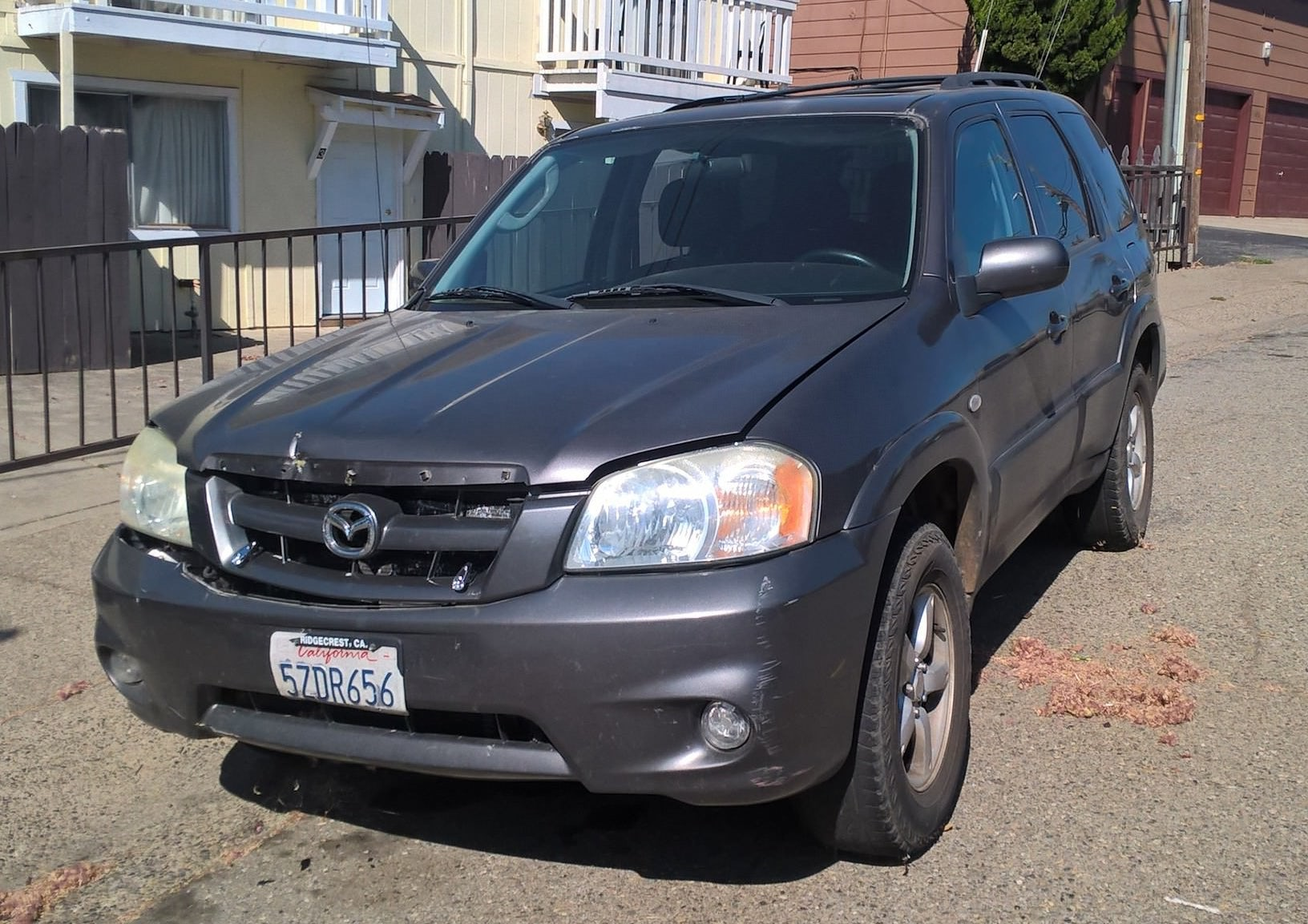 Junk 2006 Mazda Tribute in Redding