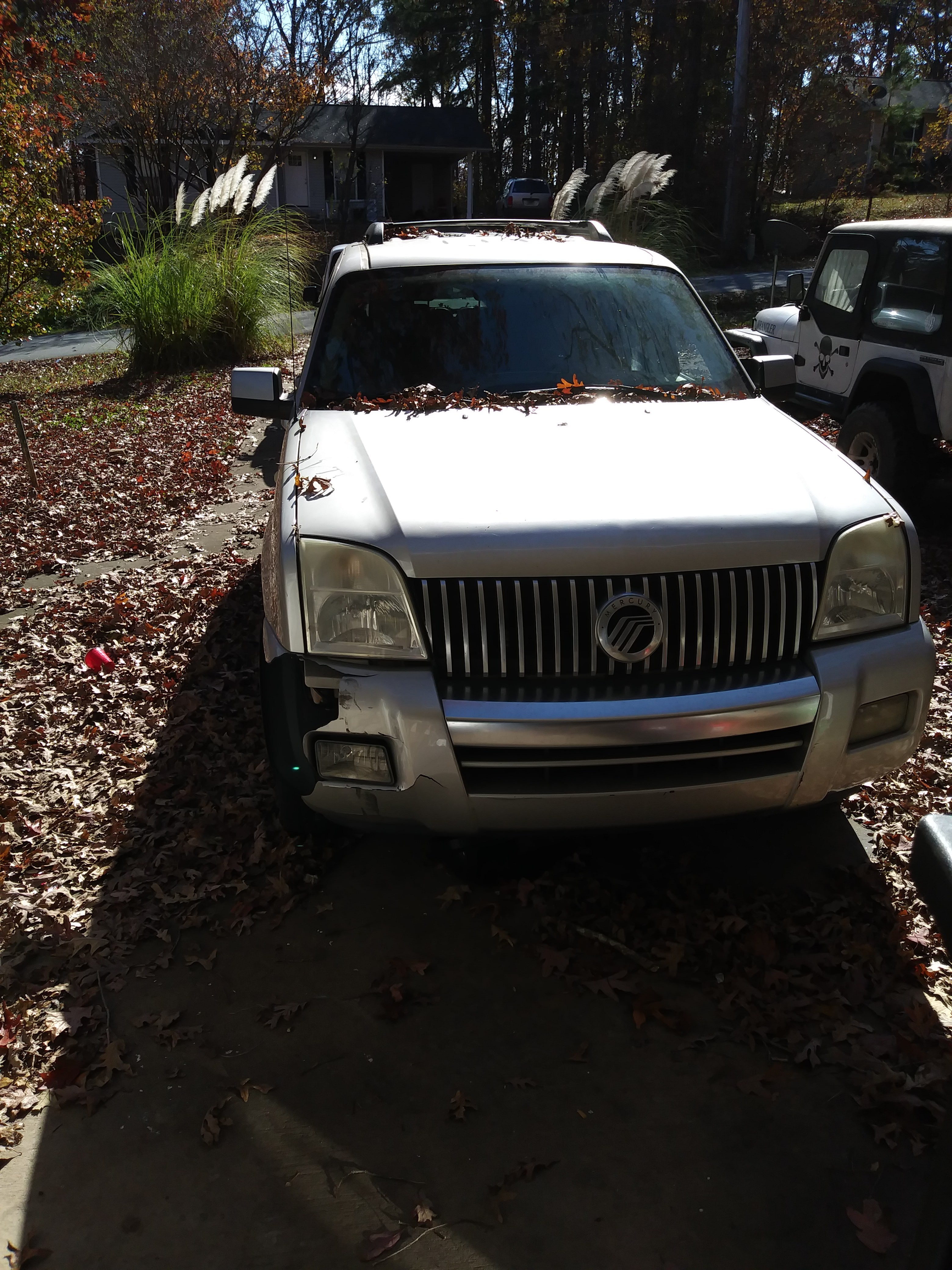 Junk 2006 Mercury Mountaineer in Gainesville