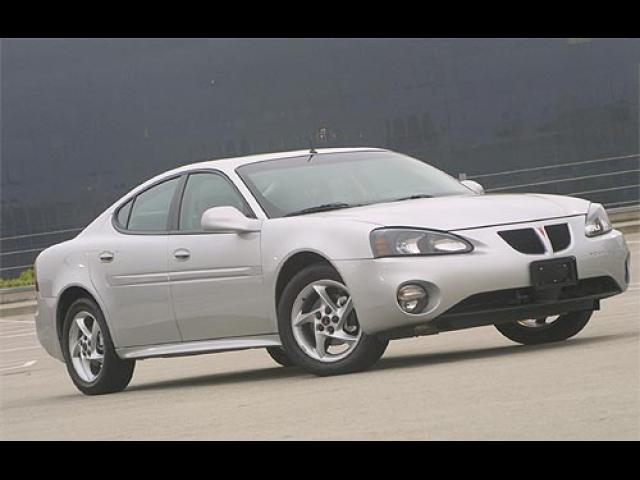 Junk 2006 Pontiac Grand Prix in Roseville