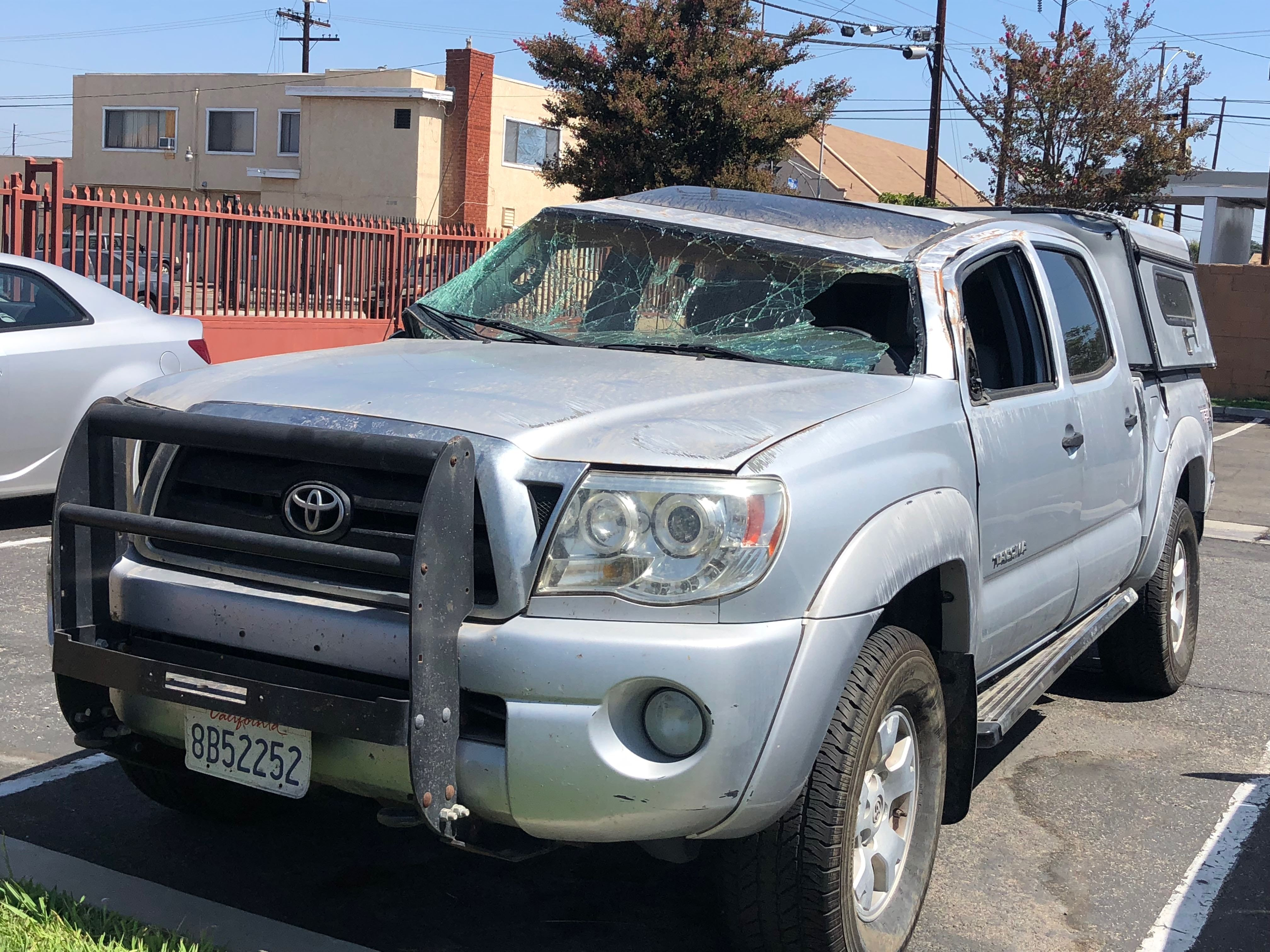Junk 2006 Toyota Tacoma in Lynwood