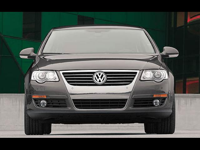 Junk 2006 Volkswagen Passat in California
