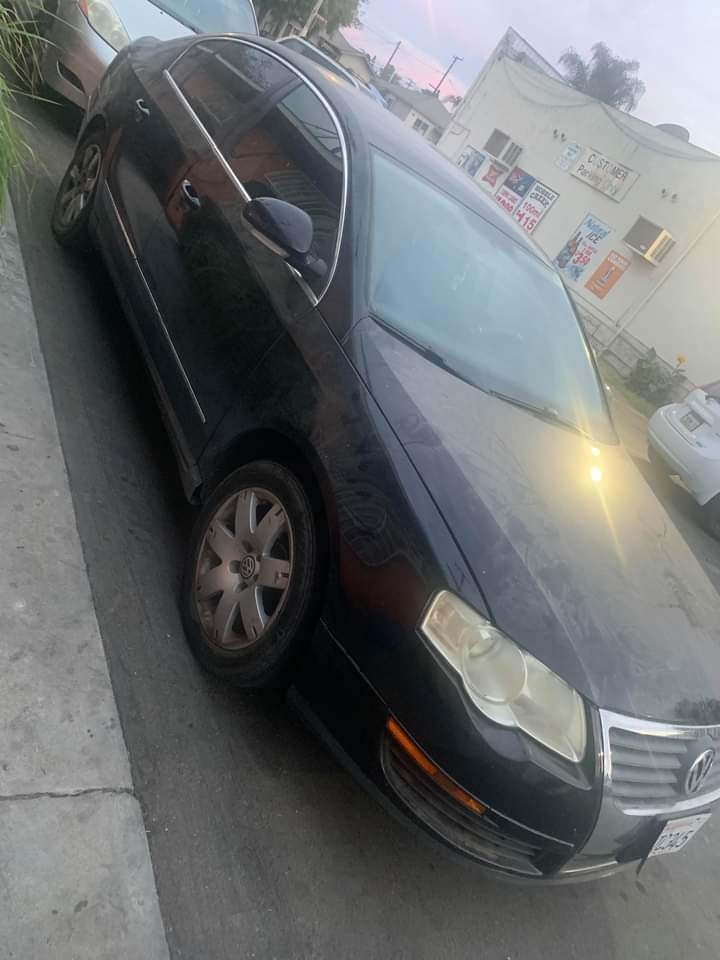 Junk 2006 Volkswagen Passat in Maywood