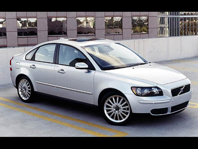 Junk 2006 Volvo S40 in Knoxville
