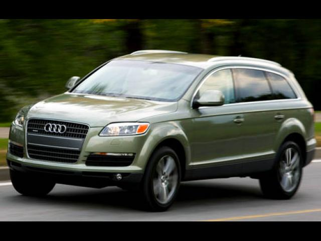 Junk 2007 Audi Q7 in North Bend