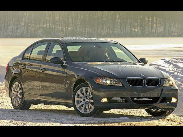 Junk 2007 BMW 328 in Fulton