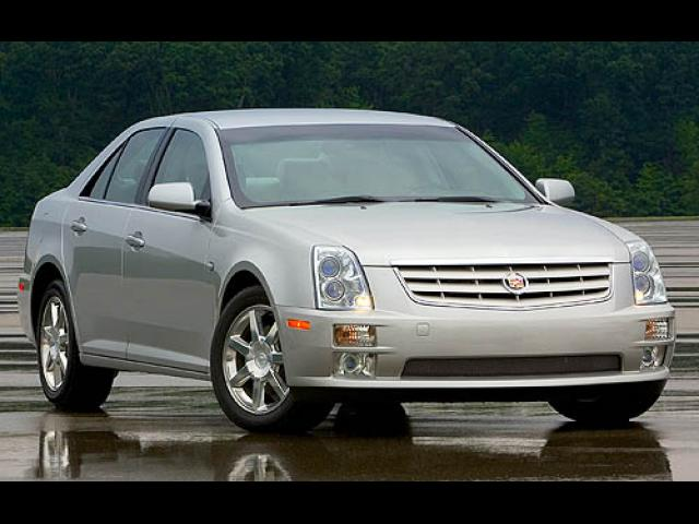 Junk 2007 Cadillac STS in Lawrence