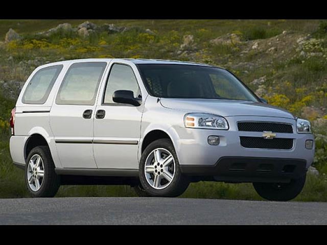 Junk 2007 Chevrolet Uplander in New Lenox