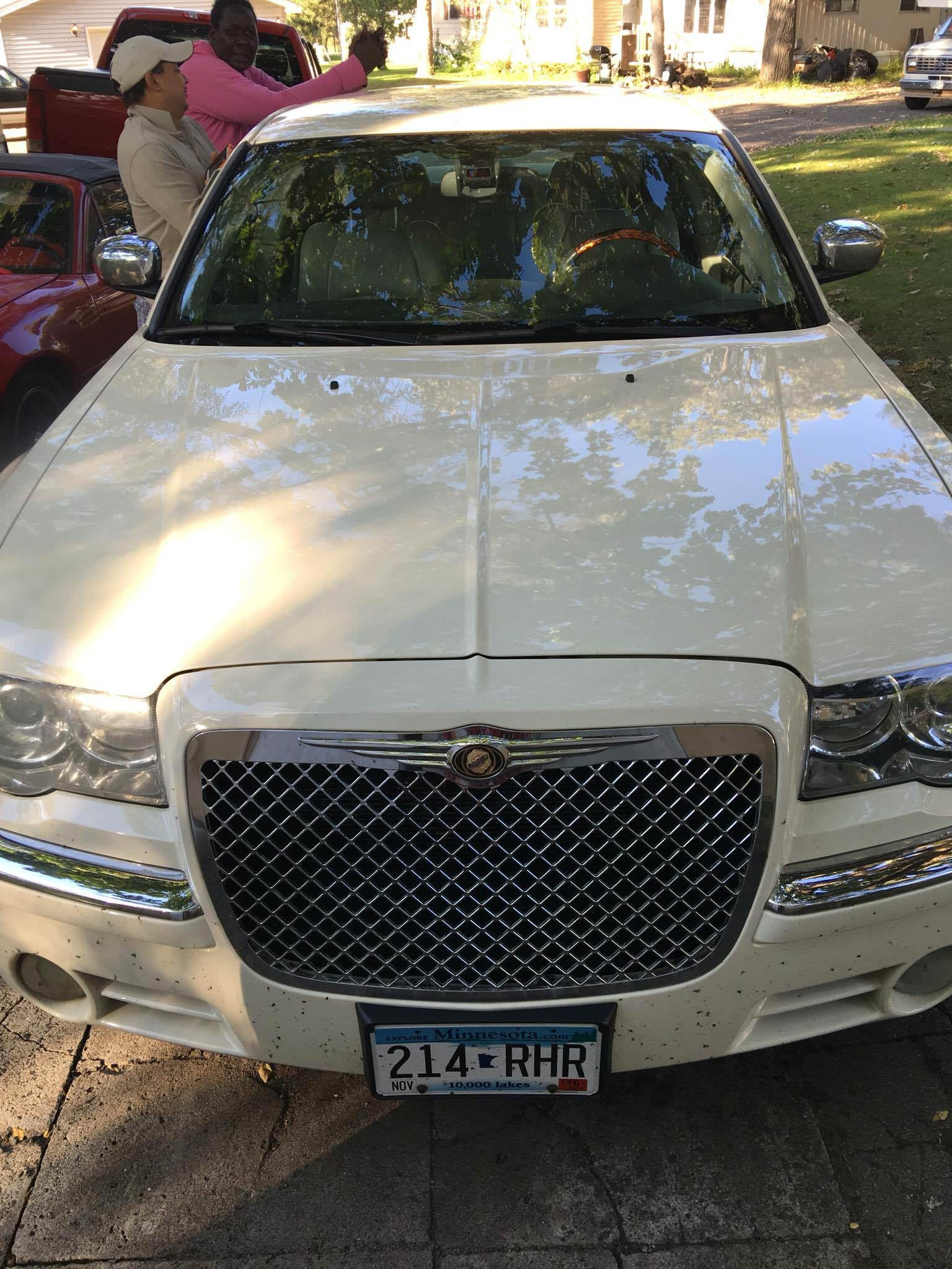 Junk 2007 Chrysler 300C in Saint Cloud