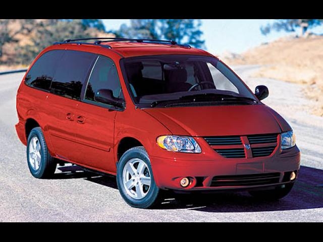 Junk 2007 Dodge Caravan in Jamaica
