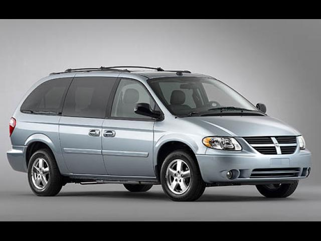 Junk 2007 Dodge Grand Caravan in Fall River
