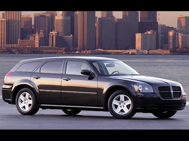 Junk 2007 Dodge Magnum in Arlington
