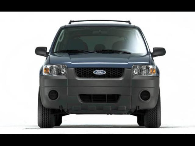 Junk 2007 Ford Escape in Culver City