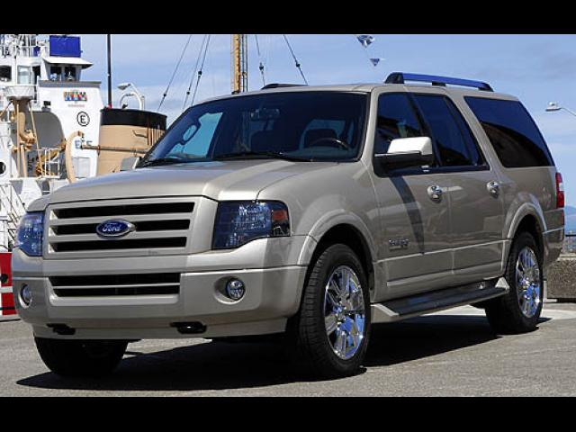 Junk 2007 Ford Expedition in Titusville