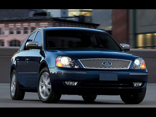 Junk 2007 Ford Five Hundred in Hartford