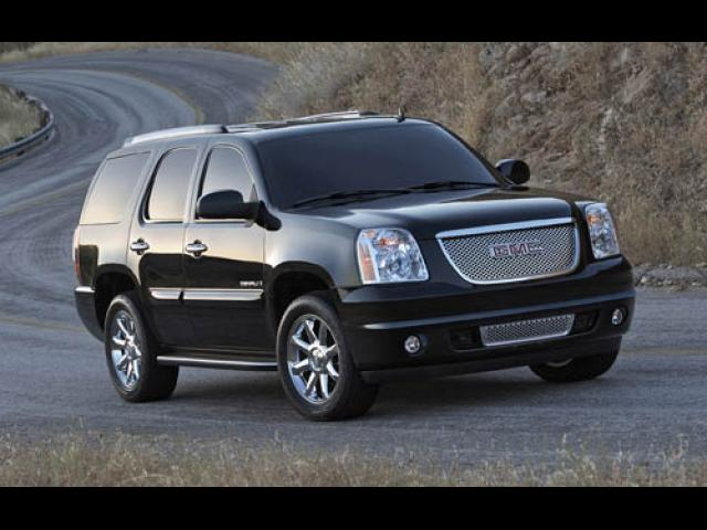 Junk 2007 GMC Yukon in Independence