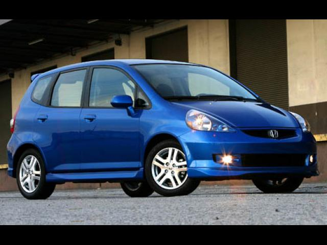 Junk 2007 Honda Fit in Valley Village