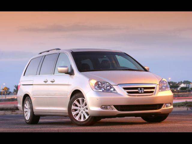 Junk 2007 Honda Odyssey in Barrington