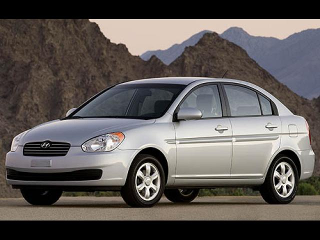 Junk 2007 Hyundai Accent in Columbus
