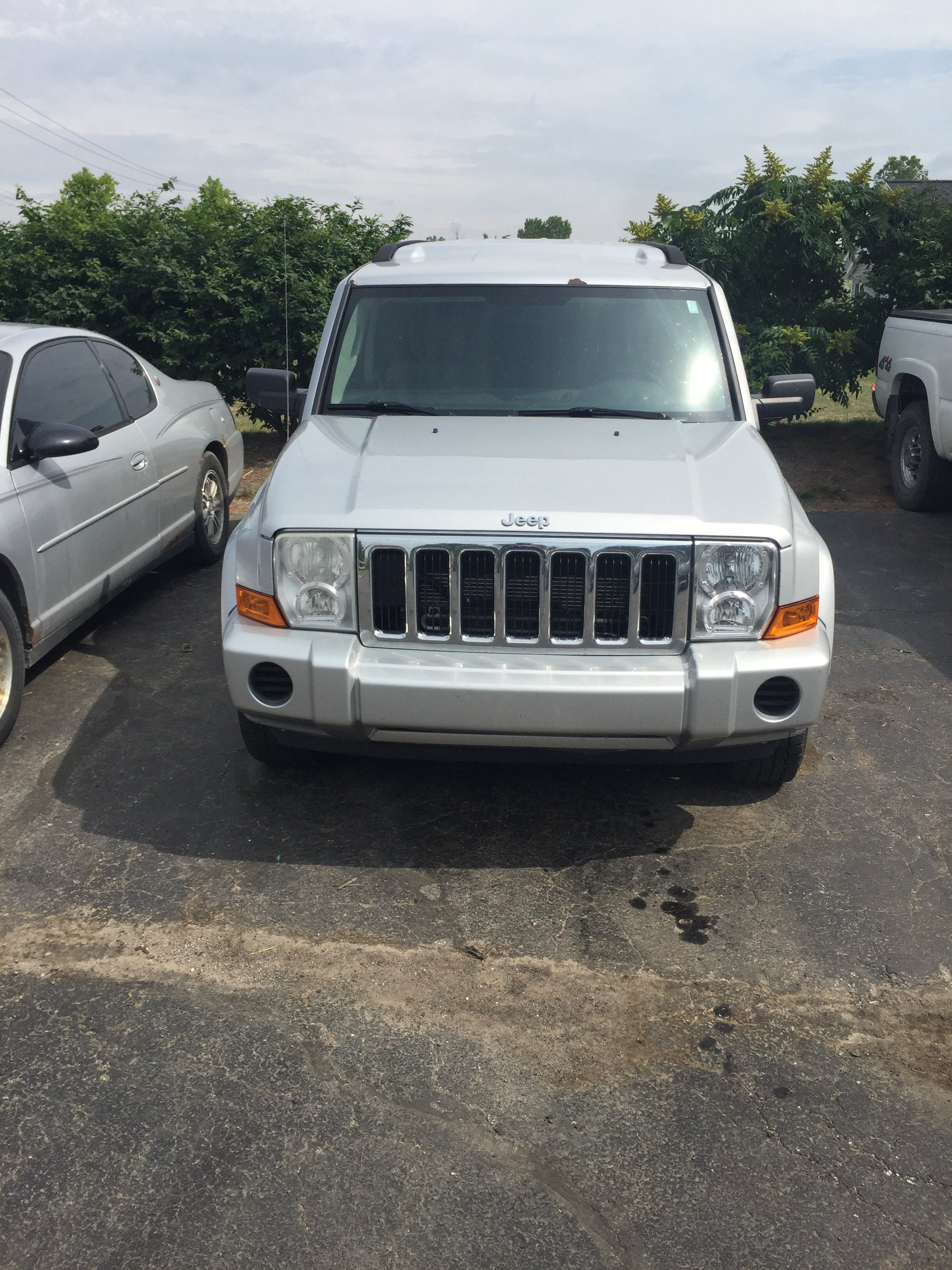 Junk 2007 Jeep Commander in Richmond