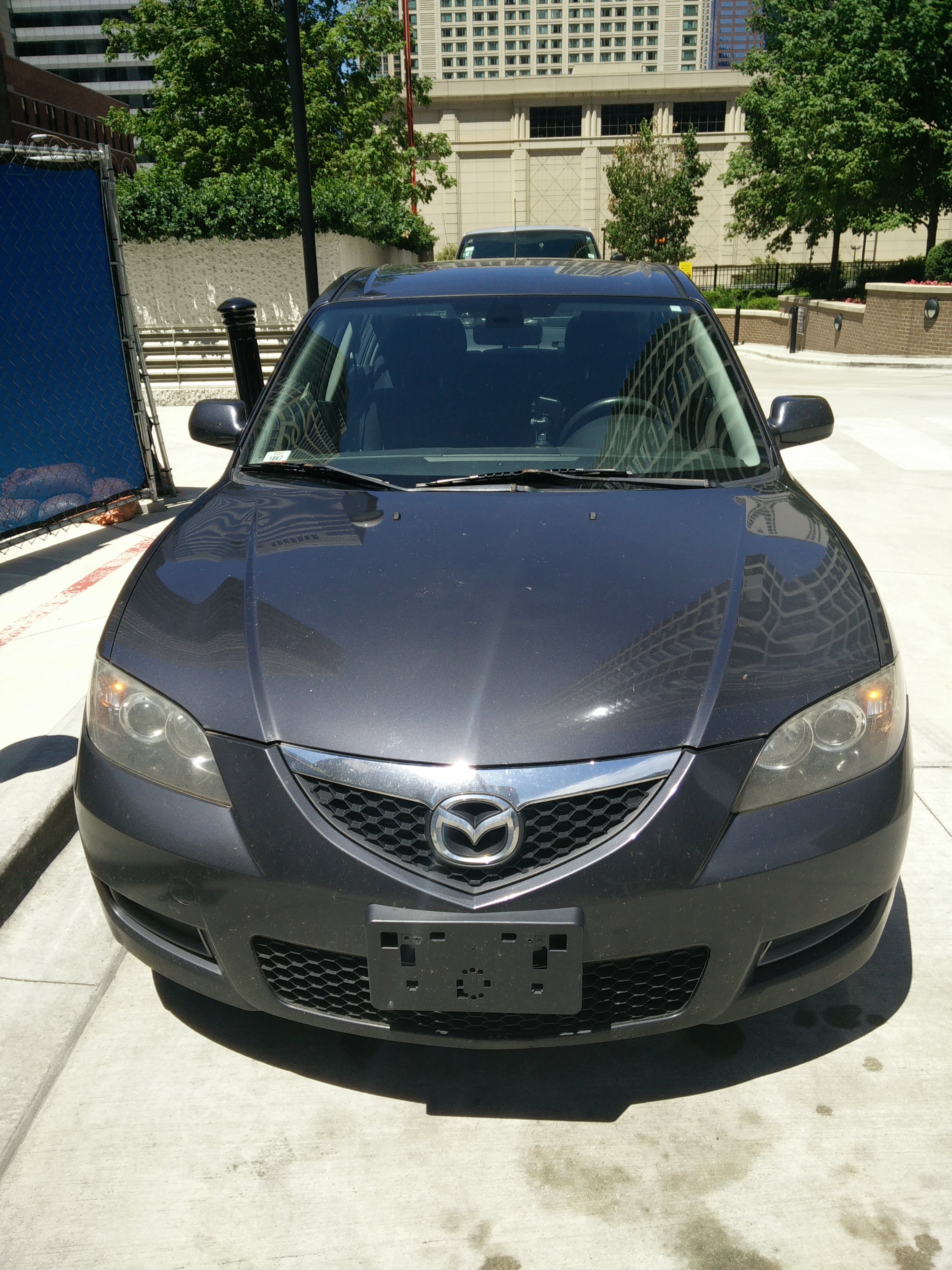 Junk 2007 Mazda 3 in Chicago