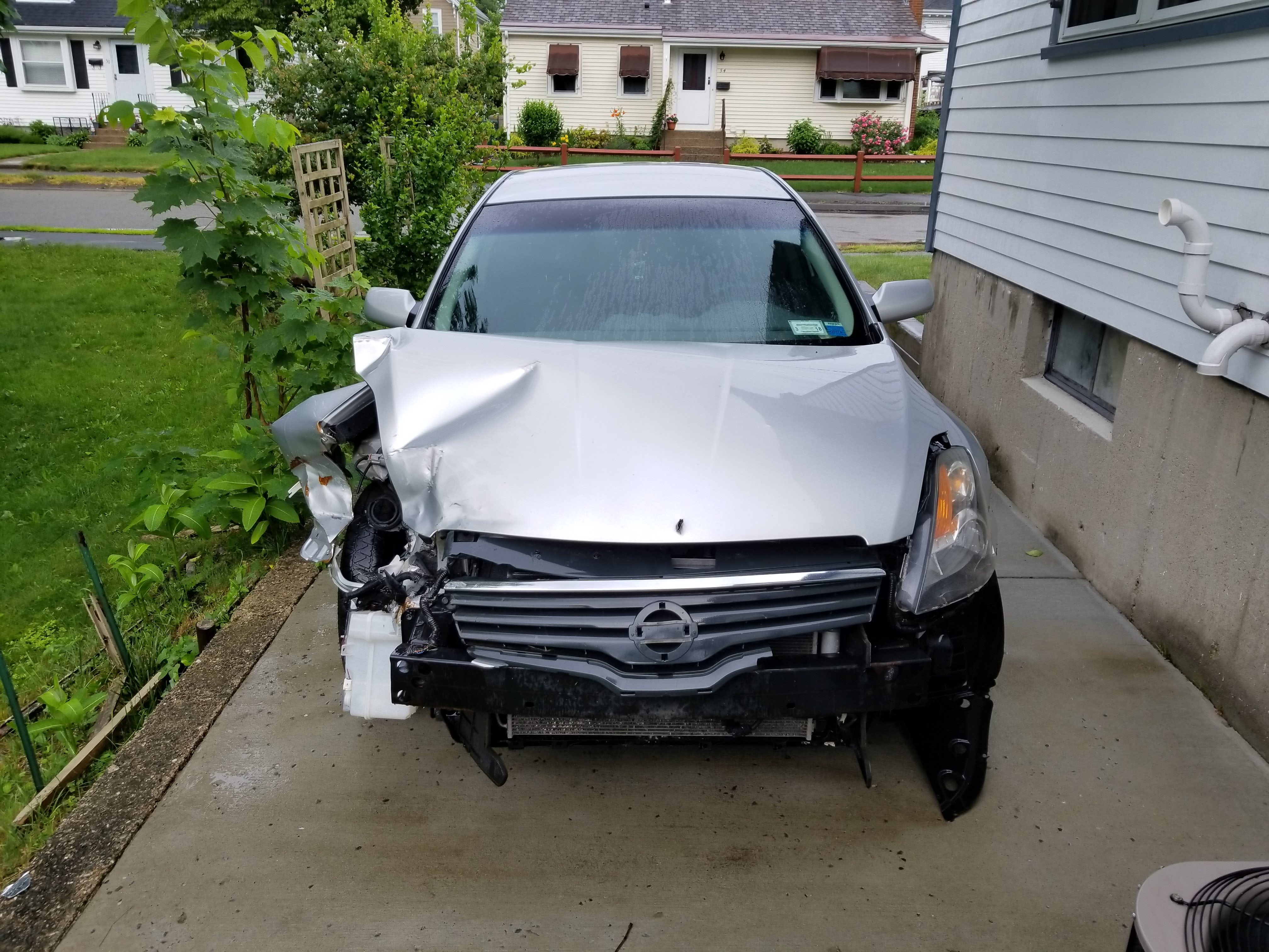 Junk 2007 Nissan Altima in Norwood