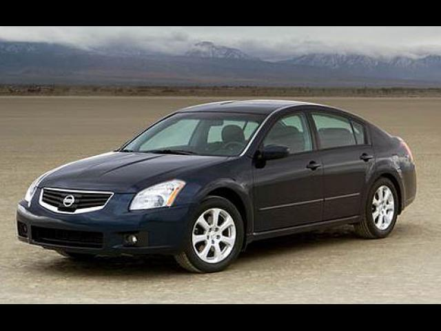 Junk 2007 Nissan Maxima in Kansas City